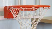 Баскетбольные кольца с амортизаторами.